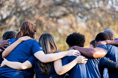 Relación con comunidades: Cómo los proyectos exitosos aprovechan el capital humano de la zona
